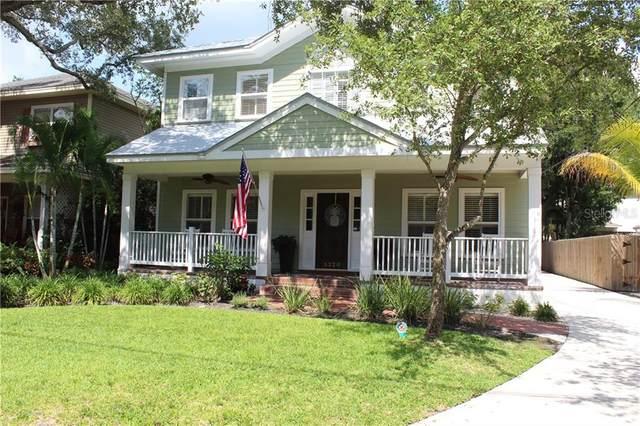5220 S Jules Verne Court, Tampa, FL 33611 (MLS #T3244772) :: Delgado Home Team at Keller Williams