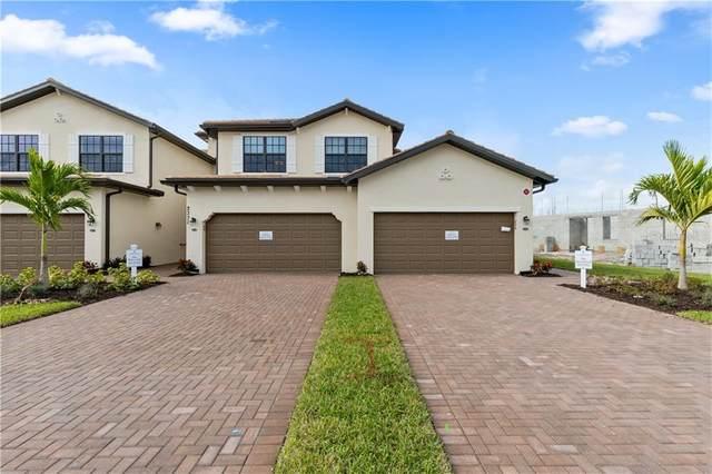 10781 Tarflower Drive #201, Venice, FL 34293 (MLS #T3245673) :: EXIT King Realty