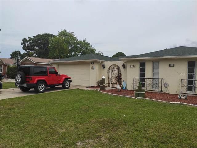 6221 Westport Drive, Port Richey, FL 34668 (MLS #T3246405) :: The Duncan Duo Team