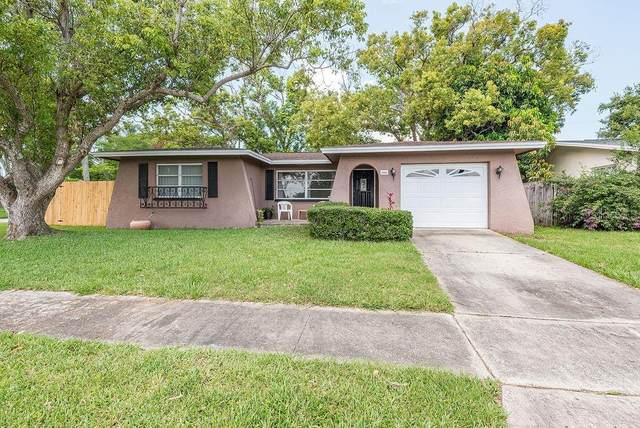 1826 Vancouver Drive, Clearwater, FL 33756 (MLS #T3248053) :: The Figueroa Team