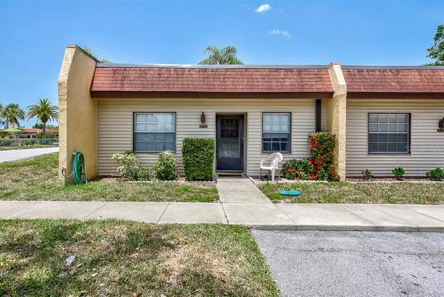 9122 Oakwood Lane #1, Seminole, FL 33776 (MLS #T3250773) :: Premier Home Experts