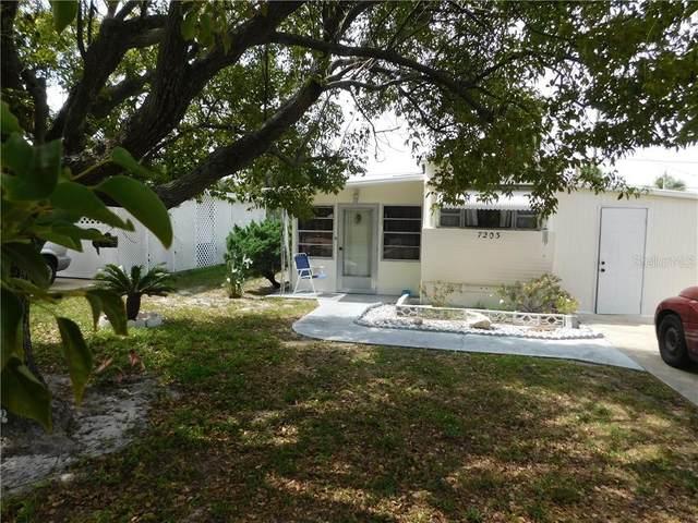 7203 Lofty Drive, Port Richey, FL 34668 (MLS #T3250801) :: Heart & Home Group