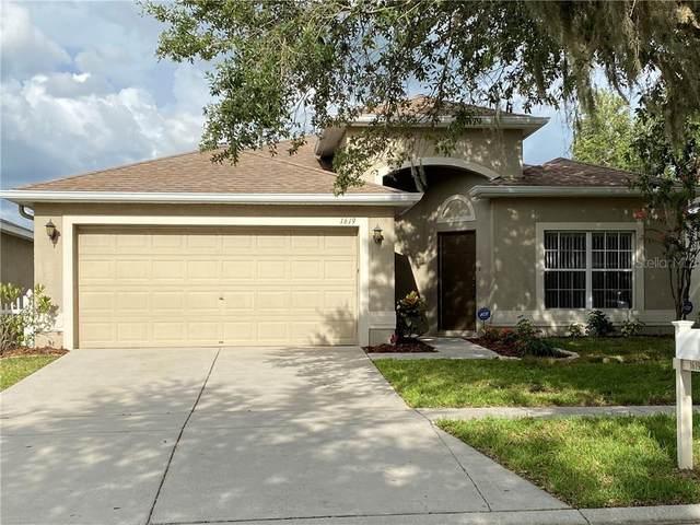 1619 Emerald Hill Way, Valrico, FL 33594 (MLS #T3251311) :: The Brenda Wade Team