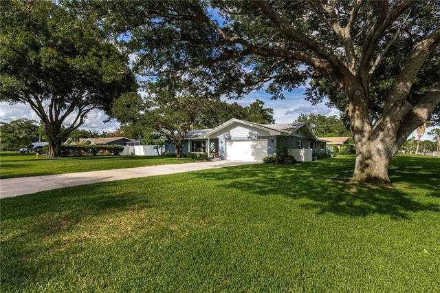 901 Monterey Avenue, Clearwater, FL 33759 (MLS #T3251683) :: Key Classic Realty