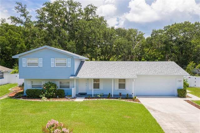 210 Van Gogh Circle, Brandon, FL 33511 (MLS #T3252372) :: Sarasota Home Specialists