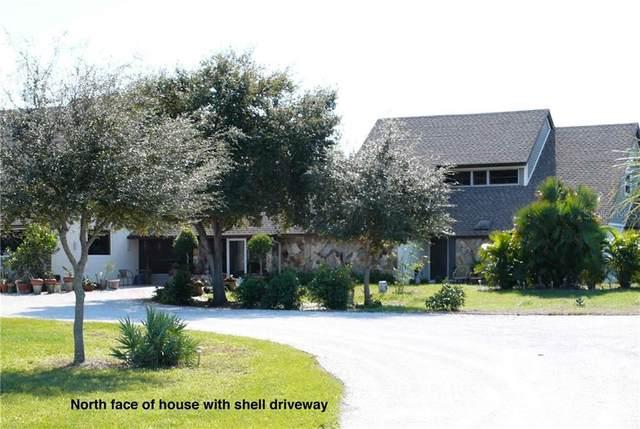 7235 Saddle Creek Circle, Sarasota, FL 34241 (MLS #T3262409) :: Delgado Home Team at Keller Williams