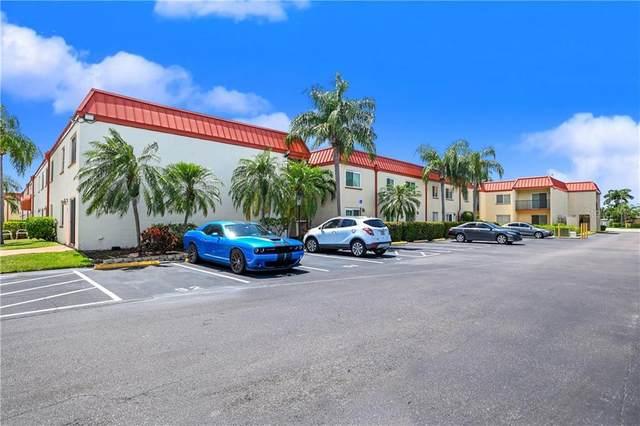 10375 Paradise Boulevard #55, Treasure Island, FL 33706 (MLS #T3263132) :: The Light Team