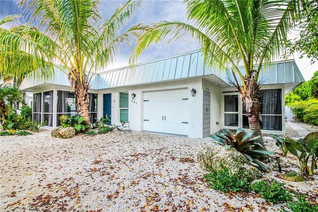201 72ND Street, Holmes Beach, FL 34217 (MLS #T3263521) :: Team Buky