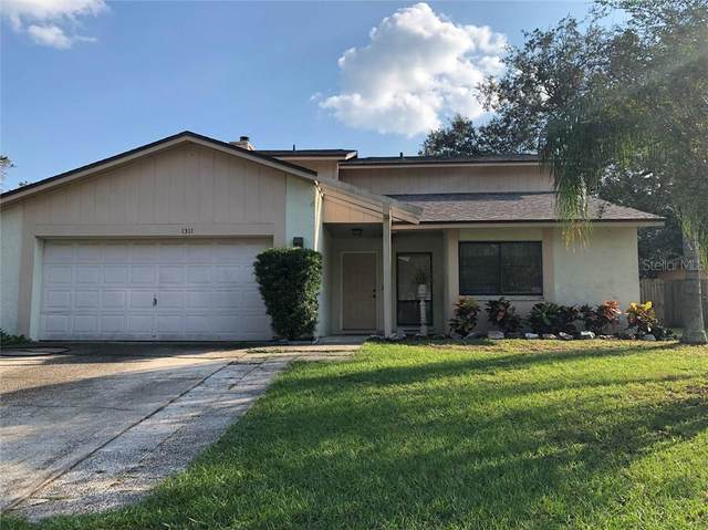 1311 Corner Oaks Drive, Brandon, FL 33510 (MLS #T3270899) :: Dalton Wade Real Estate Group