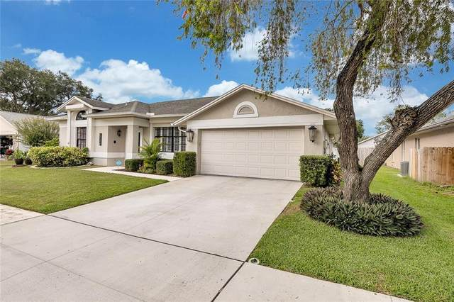 8704 Middle Cross Place, Tampa, FL 33635 (MLS #T3271030) :: The Duncan Duo Team