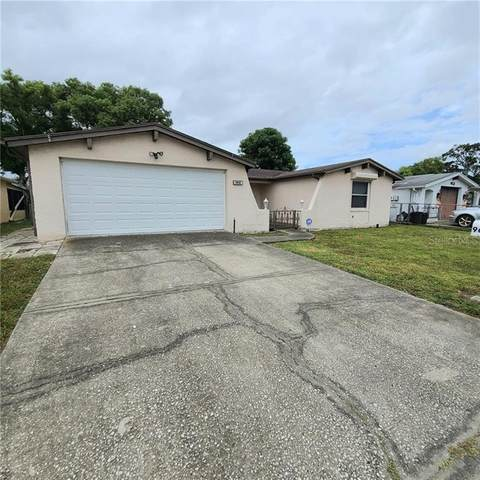 9605 Lakeside Lane, Port Richey, FL 34668 (MLS #T3272252) :: Team Buky