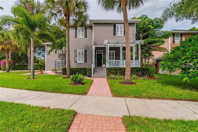2811 Northpointe Lane, Tampa, FL 33611 (MLS #T3272514) :: The Duncan Duo Team