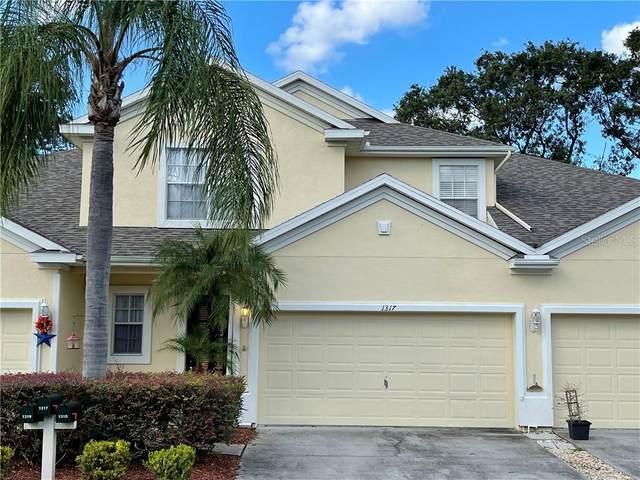 1317 Big Pine Drive, Valrico, FL 33596 (MLS #T3276052) :: The Kardosh Team
