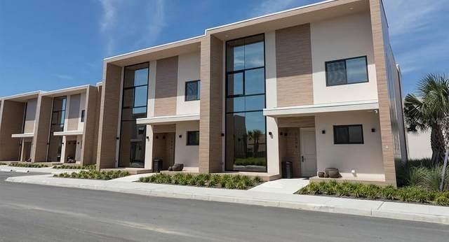 7508 Brooklyn Drive, Kissimmee, FL 34747 (MLS #T3279674) :: Vacasa Real Estate