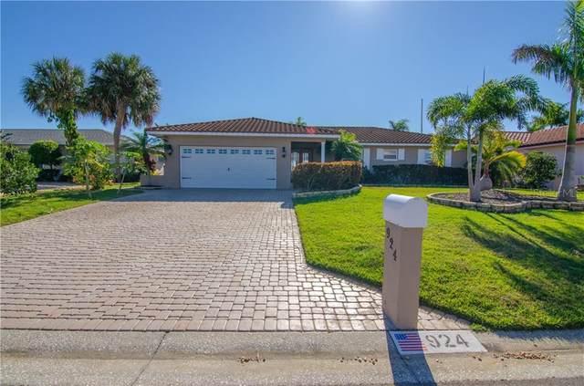 924 Chipaway Drive, Apollo Beach, FL 33572 (MLS #T3283891) :: Everlane Realty