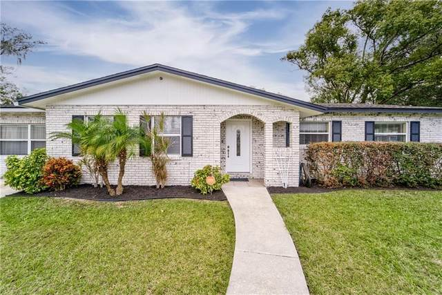 6106 Lawncrest Place, Dover, FL 33527 (MLS #T3285326) :: The Hesse Team