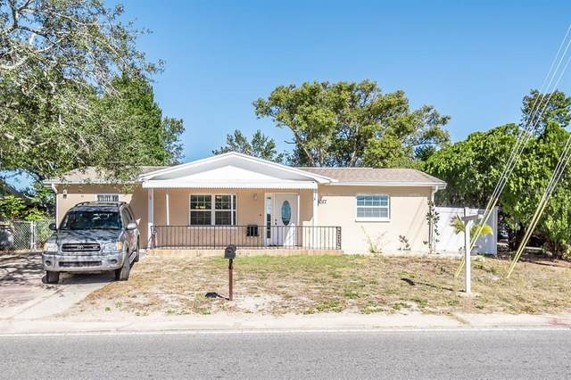 8027 Fox Hollow Drive, Port Richey, FL 34668 (MLS #T3285555) :: Realty Executives Mid Florida