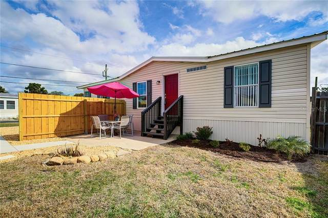 39134 Hillcrest Drive, Zephyrhills, FL 33542 (MLS #T3286782) :: Florida Real Estate Sellers at Keller Williams Realty
