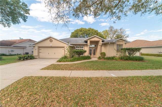 6245 Silver Oaks Drive, Zephyrhills, FL 33542 (MLS #T3291880) :: Sarasota Property Group at NextHome Excellence