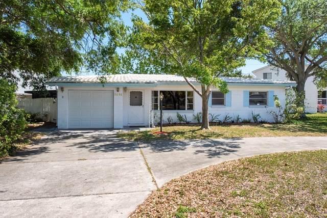 9096 76TH Avenue, Seminole, FL 33777 (MLS #T3300354) :: Griffin Group