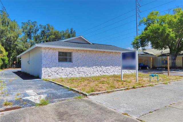 1010 Druid Road E, Clearwater, FL 33756 (MLS #T3300883) :: Coldwell Banker Vanguard Realty