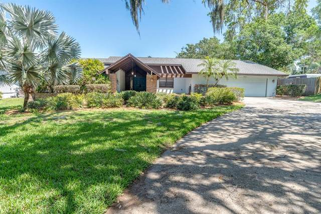 921 College Hill Drive, Clearwater, FL 33765 (MLS #T3301387) :: Team Borham at Keller Williams Realty