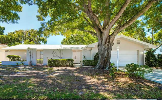 13696 Pleasant Drive, Largo, FL 33774 (MLS #T3304318) :: Lockhart & Walseth Team, Realtors
