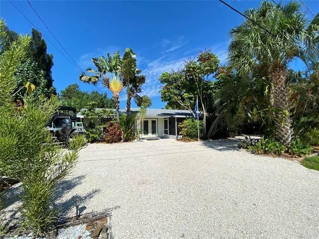 835 Seabreeze Drive, Ruskin, FL 33570 (MLS #T3304441) :: Bridge Realty Group