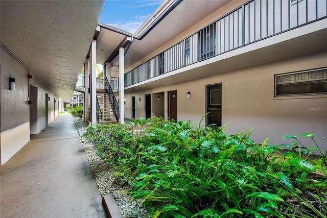 1147 King Arthur Court #210, Dunedin, FL 34698 (MLS #T3304512) :: SunCoast Home Experts