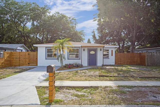 6707 S Hesperides Street, Tampa, FL 33616 (MLS #T3306067) :: The Paxton Group