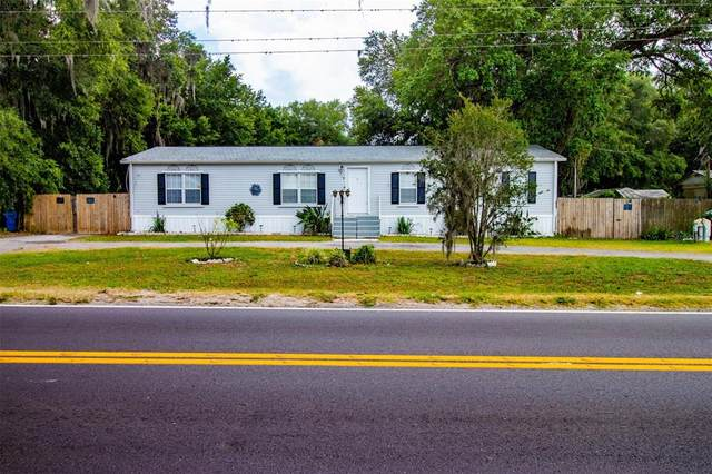 2715 W Knights Griffin Road, Plant City, FL 33565 (MLS #T3306345) :: The Duncan Duo Team
