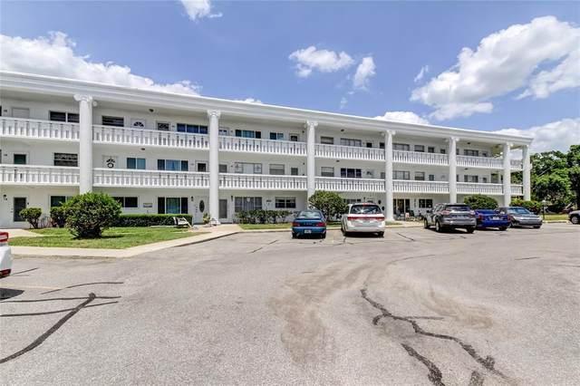 2454 Australia Way E #18, Clearwater, FL 33763 (MLS #T3307275) :: RE/MAX Premier Properties