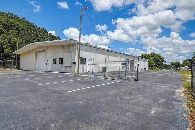 37833 Pineapple Avenue, Dade City, FL 33523 (MLS #T3312100) :: The Duncan Duo Team