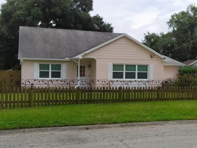 909 Woodland Ter, Brandon, FL 33511 (MLS #T3312183) :: Delgado Home Team at Keller Williams