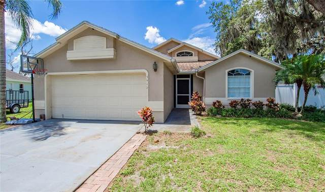 3917 Creek Woods Drive, Plant City, FL 33563 (MLS #T3313428) :: Gate Arty & the Group - Keller Williams Realty Smart