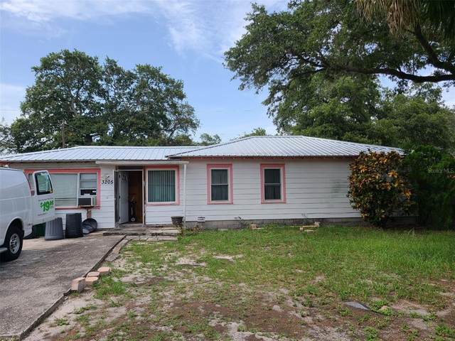 3205 W Hartnett Avenue, Tampa, FL 33611 (MLS #T3314721) :: Prestige Home Realty