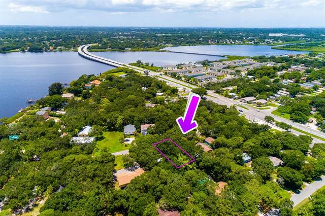 Huron Avenue, Oldsmar, FL 34677 (MLS #T3318619) :: Globalwide Realty