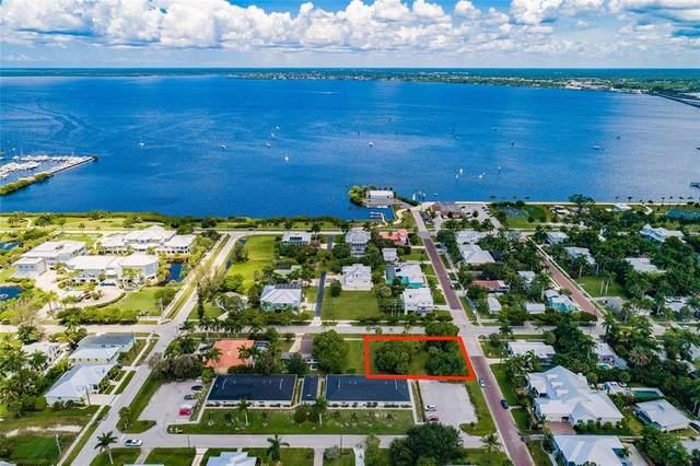 805 W Marion Avenue, Punta Gorda, FL 33950 (MLS #T3319068) :: Team Bohannon
