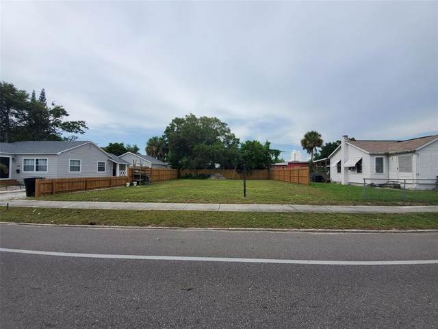 1641 30TH Avenue N, St Petersburg, FL 33713 (MLS #T3320081) :: The Hustle and Heart Group
