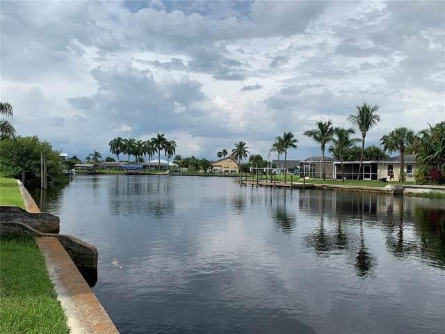 2114 Barbados Avenue, Fort Myers, FL 33905 (MLS #T3321466) :: Lockhart & Walseth Team, Realtors