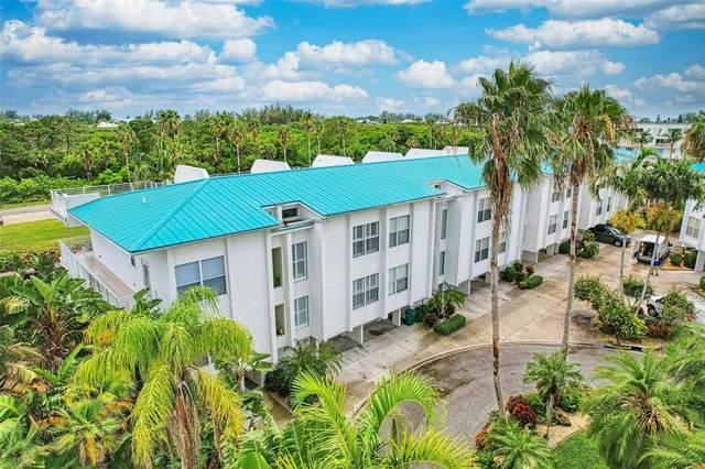 8218 Harborside Circle, Englewood, FL 34224 (MLS #T3321823) :: Carmena and Associates Realty Group
