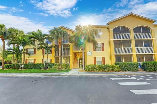 4122 Residence Drive #102, Fort Myers, FL 33901 (MLS #T3321957) :: Lockhart & Walseth Team, Realtors