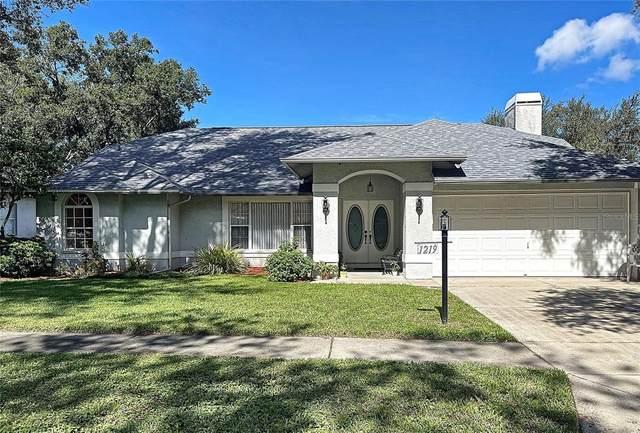 1219 Windsor Way, Lutz, FL 33559 (MLS #T3324340) :: Zarghami Group