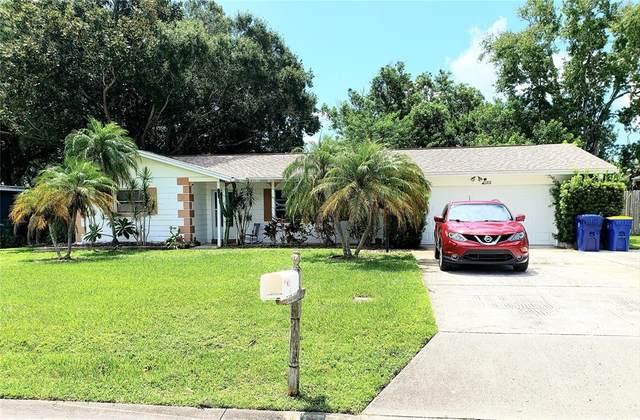 11572 88TH Avenue, Seminole, FL 33772 (MLS #T3325044) :: Zarghami Group