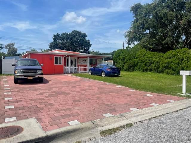 8334 95TH Avenue, Seminole, FL 33777 (MLS #T3326266) :: The Duncan Duo Team
