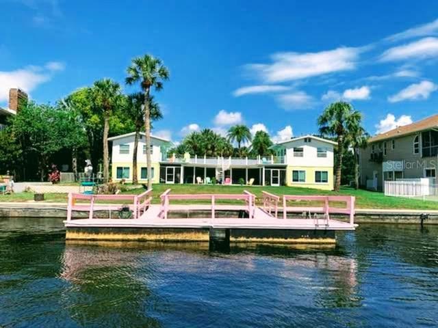7518 Astor Drive, New Port Richey, FL 34652 (MLS #T3329798) :: Sarasota Gulf Coast Realtors