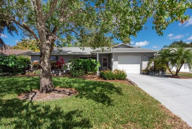 2186 Bramblewood Drive N, Clearwater, FL 33763 (MLS #T3334839) :: Everlane Realty