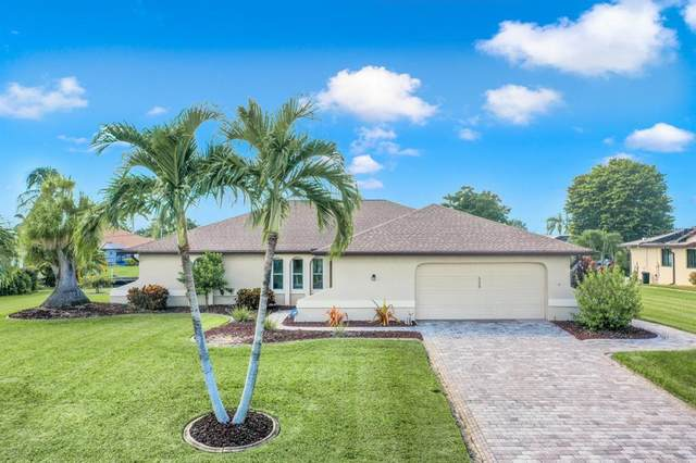 5228 SW 11TH Place, Cape Coral, FL 33914 (MLS #T3334917) :: McConnell and Associates