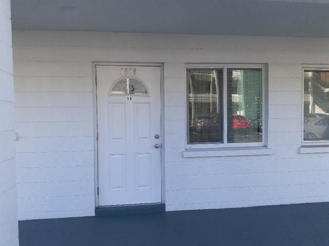 1808 Sunny Drive D4, Bradenton, FL 34207 (MLS #T3335823) :: Team Buky