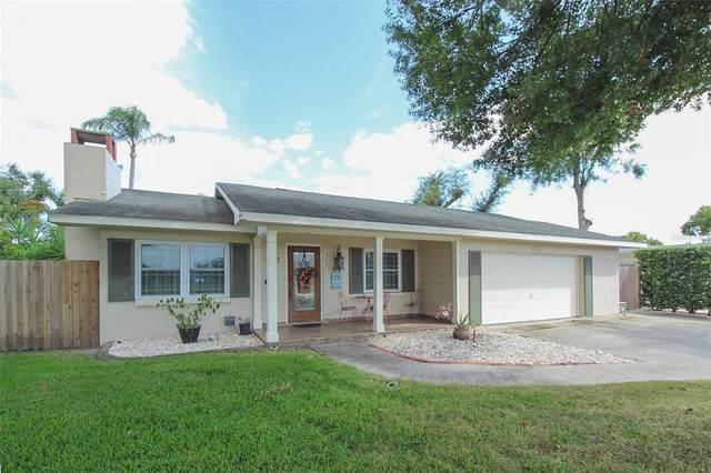 3913 W Eden Roc Circle, Tampa, FL 33634 (MLS #T3336912) :: Pristine Properties